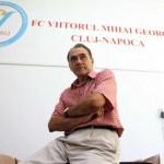 De mai bine de un sfert de veac profesorul Mihai Georgescu descoperă fotbalişti,   printrei ei Răzvan Raţ,   Vlad Chiricheş,   Maxim,   sau Vasile Maftei / FOTO: Dan Bodea