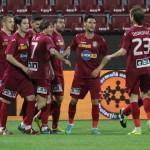La capătul unui sezon ce părea compromis fotbaliştii de la CFR au motive de bucurie,   ar putea evolua în cupele europene,   după excluderea lui Dinamo / FOTO: Dan Bodea