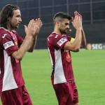 Altă dată un cuplu eficient de fundaşi centrali Felice Piccolo şi Ricardo Cadu nu vor mai evolua împreună la CFR Cluj,   din sezonul viitor / FOTO: Dan Bodea