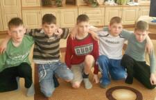 Viața unui orfan: familia adoptivă de sub acoperișul orfelinatului