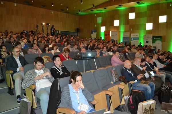 Conferința prilejuită de eveniment a adus vorbitori din toată Europa dar și oameni de afaceri din SUA (Foto: Radu Hângănuț)