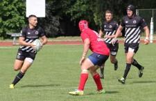 Rugby-ştii Universităţii Cluj continuă să joace bine, dar să piardă meciurile din SuperLiga Naţională. În ultimul universitarii au cedat cu 19-29 în faţa celor de la CSM Bucureşti / FOTO: Dan Bodea