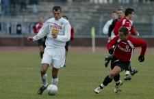 Emil Jula a evoluat pentru Universitatea Cluj ]ntre 1998-2006, apoi a jucat la Oţelul Galaţi şi alţi trei ani în Germania. Din această vară, fostul căpitan se întoarce acasă / Foto: Dan Bodea