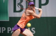 Simona Halep şi Maria Şarapova au făcut spectacol în finala turneului de la Roland Garros,   rusoaica s-a impus cu 6-4,   6-7,   6-4