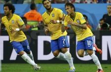 Evoluţiil lui Narcelo, Hulk şi Neymar, la Cupa Mondială din Brazilia, sunt urmărite, la televizor, de mai bine de jumătate dintre români. Conaţionalii noştri văd selecţionata ţării gazdă drept câştigătoare a trofeului