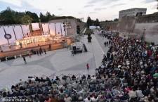 Circa 5000 de spectatori au fost prezenţi la spectacolul în aer liber AIDA,   în Cetatea Alba Iulia /Foto: Nicu Cherciu