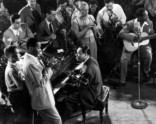Duke Ellington a avut o carieră de peste 50 de ani,   în care a scris peste 1000 de compoziţii