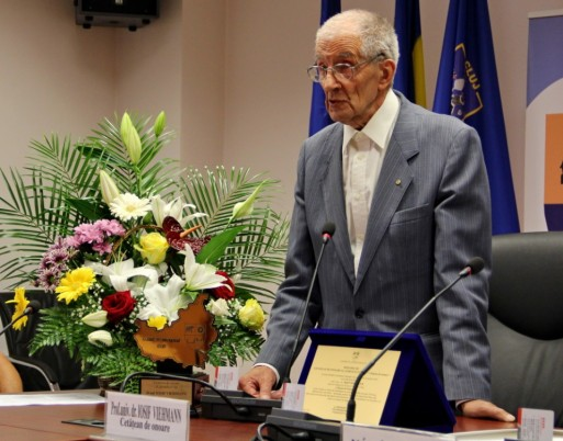 Profesorul Iosif Viehmann va împlini în luna septembrie 89 de ani/Foto: Dan Bodea