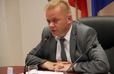 """Vicepreședintele CJ Cluj,   Ioan Oleleu îi cere demisia lui David Ciceo,   directorul aeroportului: """"Pista este un model de jaf public"""""""