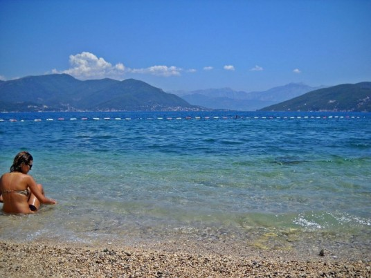 "Plaja ""Blue flag"" de la Njivice/ Foto: Bogdan Stanciu"