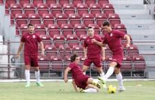 Eliminaţi din Cupa Ligii şi din Europa League,   CFR Cluj se va concentra în continuare doar pe Liga I,   prima provocare fiind duminică,   de la ora 21.00,   acasă,   cu Steaua / Foto: Dan Bodea