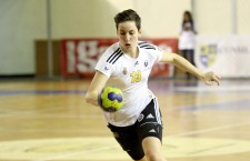Cristina Laslo a înscris de 10 ori în poarta reprezentative din Muntenegru şi a contribuit decisiv la calificarea României în finala mondială sub 18 ani / Foto: Dan Bodea