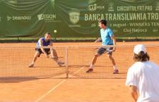 Tenismenii clujeni Alex Jecan şi Ilie Giurgiu au câştigat proba de dublu din cadrul Futures-ului BT Tropfy / Foto: Dan Bodea