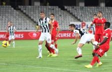 După eşecul de pe teren propriu,   scor 2-3,   cu Dinamo,   Universitatea Cluj a pierdut pentru a doua oară în acest campionat,   scor 0-1,   în deplasare la FC Botoşani / Foto: Dan Bodea