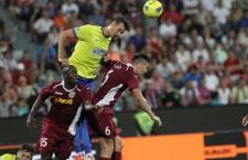"""După modelul """"pe aici nu se trece"""" Szukala a închis perfect orice acţiune de poarta a CFR-ului,   iar Steaua s-a impus în Gruia,   la limită,   scor 1-0 / Foto: Dan Bodea"""