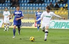 Vlad Morar (foto,   în alb) s-a întors la Universitatea Cluj după două sezoane petrecute la Petrolul