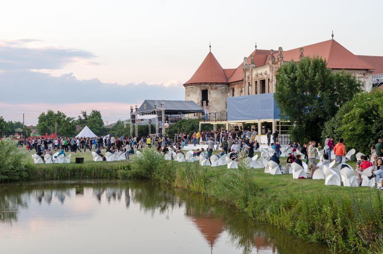Electric Castle pune în valoare amplasamentul castelului Banffy din Bonțida