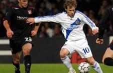 Florin Cernat (foto,   în alb) a semnat cu Oţelul Galaţi,   tocmai înaintea confruntării cu CFR din Liga I
