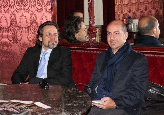 Tenorul Marius Vlad Budoiu şi regizorul Mario de Carlo/Foto: Dan Bodea