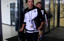 """George Ogăraru a fost prezentat,   vineri,   noilor săi fotbalişti,   iar după amiaza a condus priimul antrenament în calitate de antrenor al lui """"U"""" / Foto: Dan Bodea"""