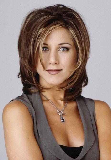 Tunsoarea lui Rachel a devenit atât de celebră,   încât multe femei cereau la coafor aceeaşi frizură. Surpriză: Jennifer Aniston a dezvăluit că nu i-a plăcut prea mult tunsoarea respectivă.
