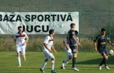 Unirea Jucu (foto, în alb) a eliminat Olimpia Satu Mare din Cupa României şi este a treia reprezentantă a fotbalului clujean în competiţia surprizelor