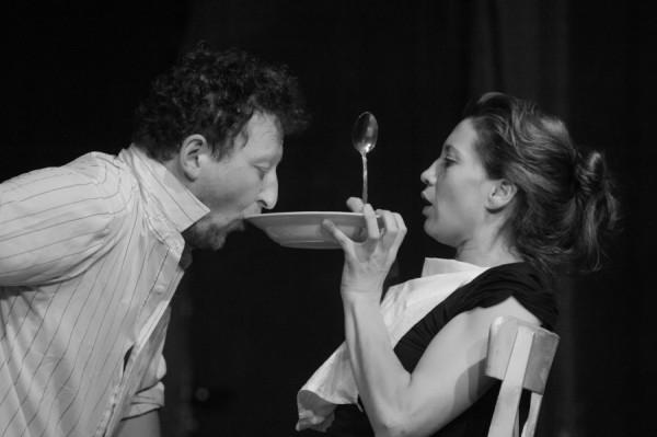 Imagine din spectacol Cel care închide noaptea/Foto: Teatrul Maghiar de Stat Cluj