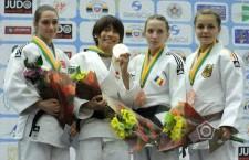 Alexandra Pop (foto, a doua din dreapta) a cucerit în SUA a cincea sa medalie din carieră şi a treia la un campionat mondial de judo.