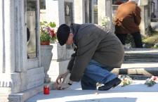 Anul acesta Moşii de toamnă – ziua de pomenire a morţilor în tradiţia ortodoxă cade în aceeaşi zi cu Ziua tuturor sfinţilor a catolicilor / Foto: Dan Bodea