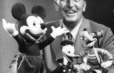 """""""Îi datorez ideea lui Chaplin. Am vrut ceva fermecător şi ne-am gândit la un şoricel care să aibă ceva din melancolia lui Chaplin; un micuţ care încearcă să facă totul cum ştie el mai bine"""" – Walt Disney, despre """"naşterea"""" lui Mickey Mouse"""
