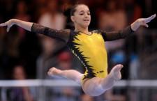 Cu două medalii de argint cucerite, la individual compus și la sol, Larisa Iordache a fost vedeta delegației României la Campionatul Mondial de gimanstică din China