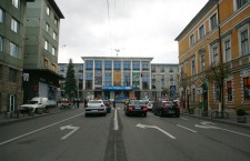 Mitingul electoral al lui Iohannis blochează circulaţia în centru