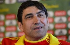 """Victor Pițurcă are toate motivele să zâmbească,   l-a învins pe Răzvan Burleanu în """"divorțul"""" de echipa națională și va încasa milioanele arabilor până în 2016"""