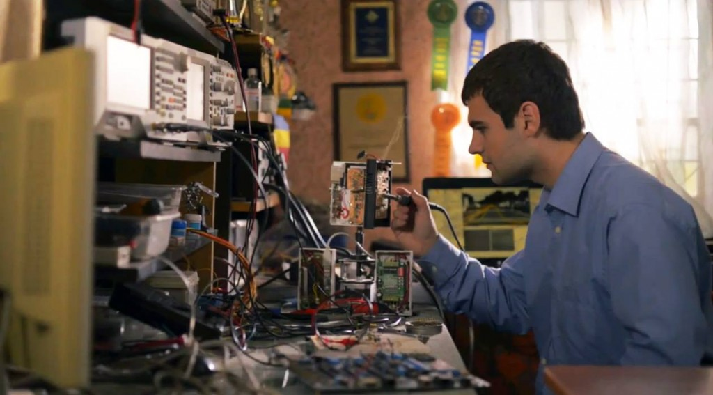 Ionuț,   în laboratorul său de acasă.