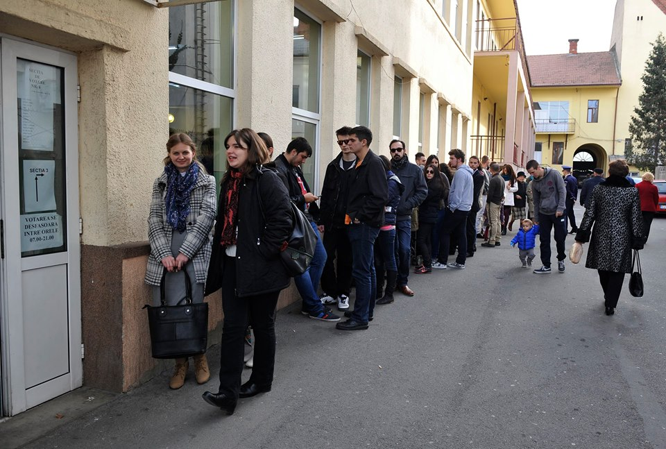 Unii studenți au ales să rămână în Cluj și să își exercite aici dreptul constituțional. / Foto: Dan Bodea