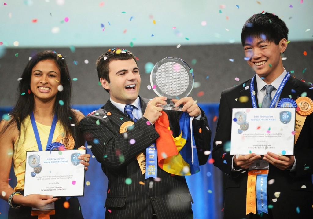 Ionuț Budișteanu,    câștigatorul competiției Intel International Science and Engineering Fair.