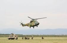 Elicopter Puma SOCAT fotografiat la Câmpia Turzii în timpul unui exercițiu demonstrative din iulie  2014 | Foto: Dan Bodea