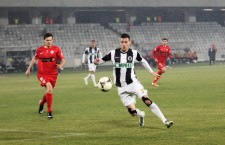 """Vali Lemnaru (foto,   la minge) are şansa reabilitării în faţa suporterilor,   """"U"""" Cluj o întâlneşte pe Dinamo în sferturile Cupei Ligii / Foto: Dan Bodea"""