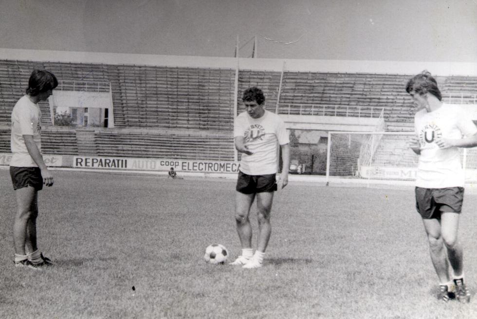 Mircea Lucescu pe Ion Moina / Foto: Dan Bodea