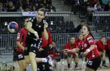 Campioana mondială de juniori Cristina Laslo a reuşit doar un gol în manşa întâi din turul 3 al Cupei Cupelor cu Radnicki Kragujevac, scor 29-29