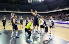"""Spectacolul a fost la cote maxime în duelul tradițional dintre baschetbaliștii de la U-BT și fotbaliștii de la """"U"""" / Foto: Dan Bodea"""
