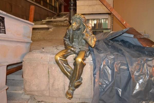 Statuia lui Miljo,   nebunul din Plovdiv,   Bulgaria/Foto: Bogdan Stanciu