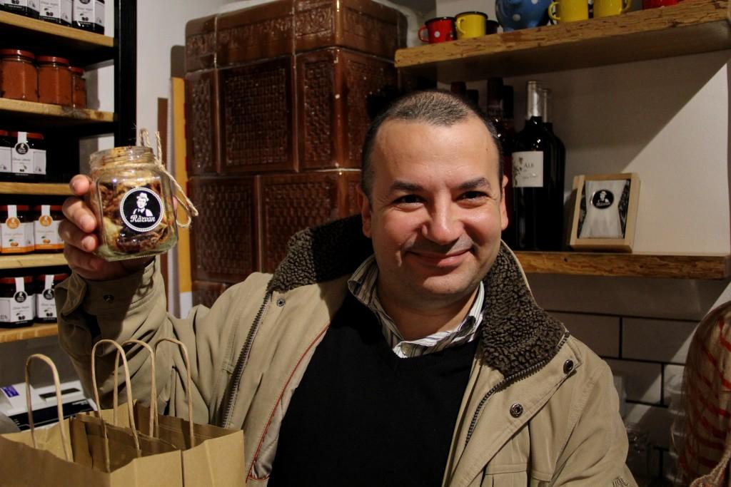 Clienții apreciază clătita la borcan / Foto: Dan Bodea