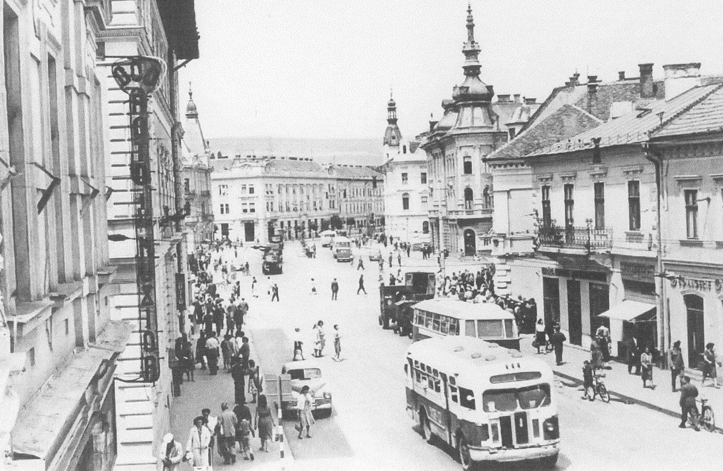 Autobuze pe Str. Regele Ferdinand,   1958-1959.