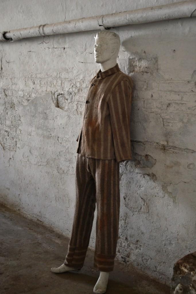 Uniformă deținut,   Fortul 13 Jilava / Foto: Maria Man