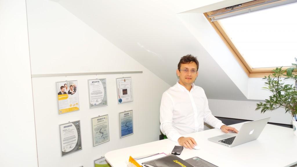 Fondatorul companiei Life is Hard, Erik Barna