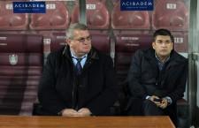 După 7 ani petrecuţi la CFR Cluj,   Răzvan Zamfir (foto,   în dreapta) este aproape de a fi oficializat ca director sportiv al echipei AS Bari din Italia / Foto: Dan Bodea