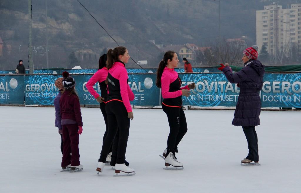 Echipa de patinaj artitic,   la antrenament / Foto: Dan Boodea