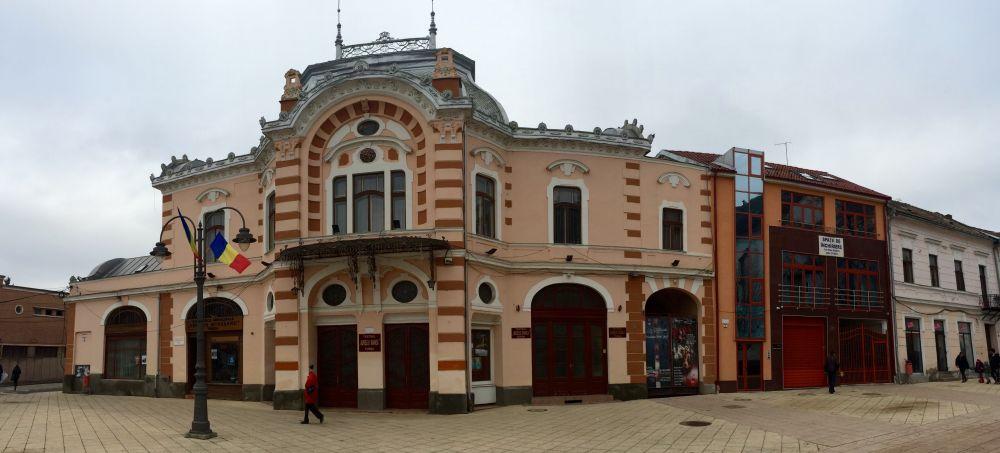 """Teatrul """"Aureliu Manea"""" Turda/Foto: Cristina Beligăr"""