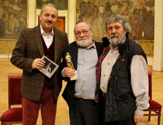 Ion Mureșan,   alături de scriitorul Alexandru Vlad și sociologul Vasile Dâncu/Foto: Dan Bodea